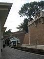 Einfahrt Zug Bahnhof des Vatikan.jpg
