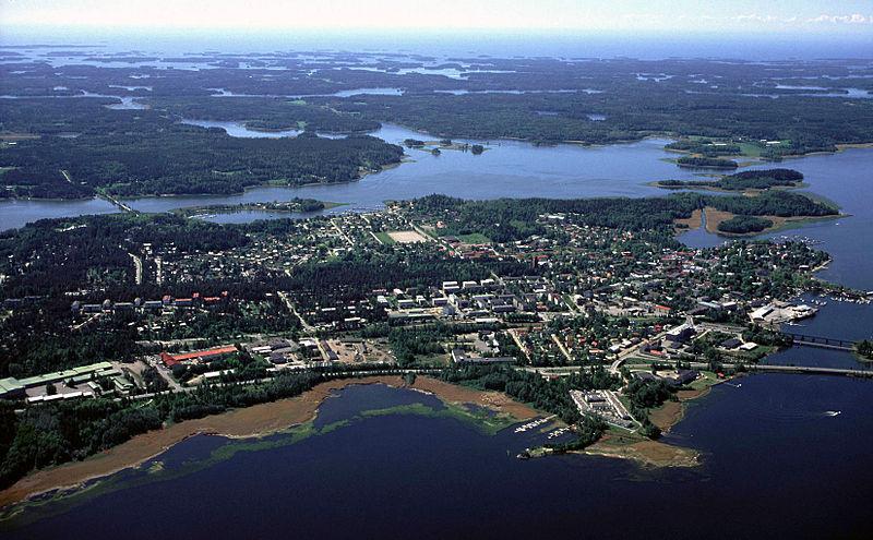 File:Ekenäs centrum.jpg