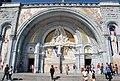 Entrée basilique du Rosaire.JPG