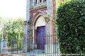 Entrée de l'eglise de Saint-Ouen-Le-Houx.jpg