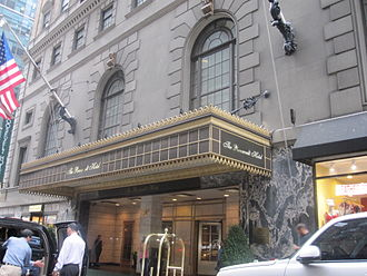The Roosevelt Hotel (Manhattan) - The Roosevelt Hotel entrance