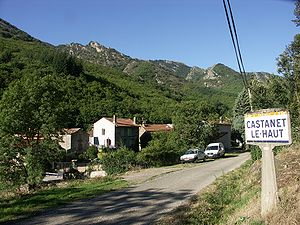Castanet-le-Haut - The road into Castanet-le-Haut
