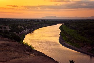 Evening, Omo River, Ethiopia (22615287108).jpg