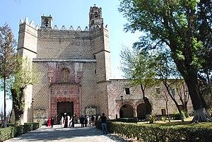 Huejotzingo - Facade of the monastery of San Miguel Arcángel