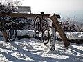Fahrradparkstation aus Holz.JPG