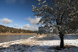Fallen snow on Kaibab Lake. (15655745333).jpg