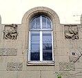 Fenster Fassade Detail am Comenius-Gymnasium von 1912, Comeniusstraße 1, Düsseldorf-Oberkassel.jpg