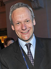 Flickr - europeanpeoplesparty - EPP Congress Warsaw (708) (cropped).jpg