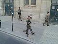 Fransetroepeninparijs.jpg