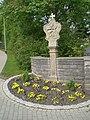 Friedhof Assamstadt mit Friedhofskapelle, Friedhofsmauer, Friedhofskreuz und sonstigen Kleindenkmalen 05.jpg