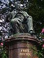 Fritz Reuter Denkmal memorial Neubrandenburg-2.jpg