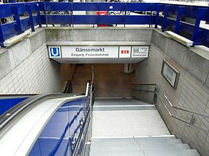 Gänsemarkt (Hamburg U-Bahn station) - One of the station's entrances