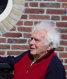Peter Hoefnagels politicus, wetenschapper, vader, vechter en kunstenaar.