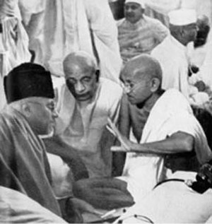 Islam in India - Maulana Azad was a prominent leader of the Indian independence movement and a strong advocate of Hindu-Muslim unity. Shown here is Azad (left) with Sardar Patel and Mahatma Gandhi in 1940.