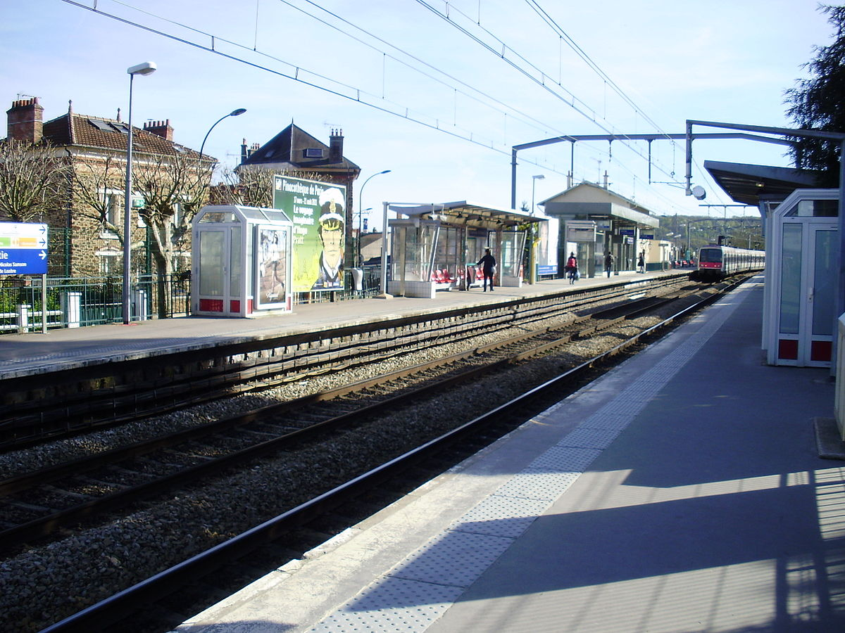 Gare de palaiseau villebon wikipedia for Piscine de palaiseau