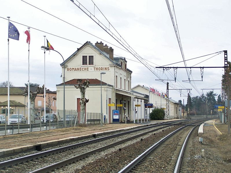 Sight of platforms, tracks and building of Romanèche-Thorins railway station, between Lyon and Mâcon in Saône-et-Loire, France.
