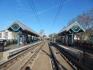 Garfield Avenue (HBLR station) - The Garfield Avenue station in April 2015, facing toward West Side Avenue.