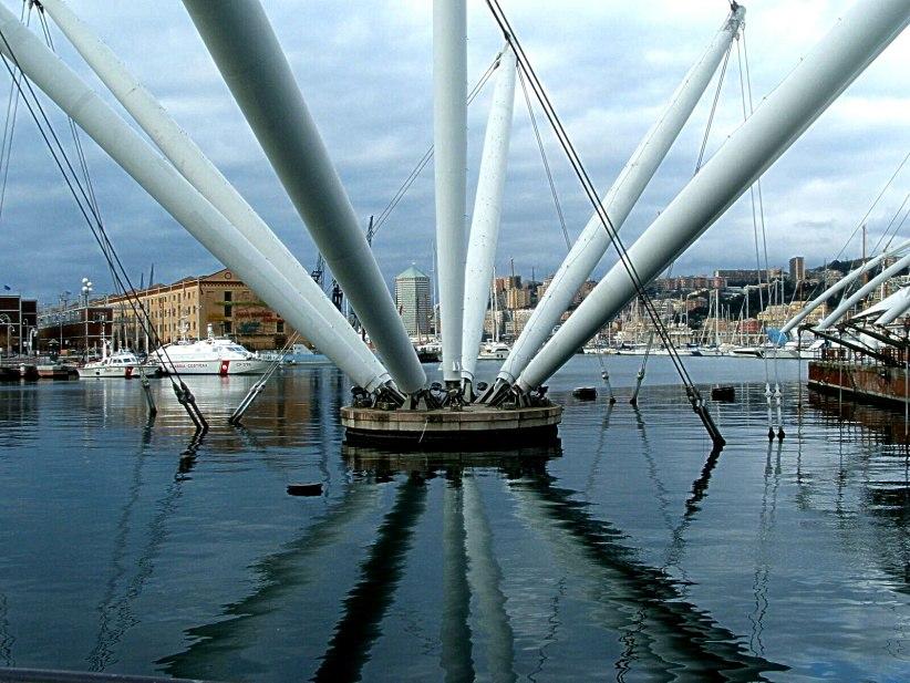 Genova-Bigo del porto antico