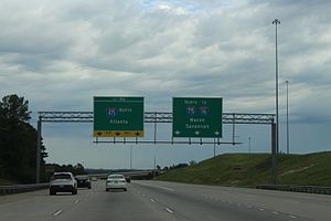 Interstate 75 in Georgia - I-75 north at exit 156 in Bibb County in 2016, left 3 lanes are for the Interstate 475 bypass of Macon