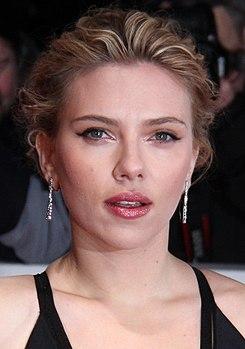 Goldene Kamera 2012 - Scarlett Johansson 3 (cropped).JPG