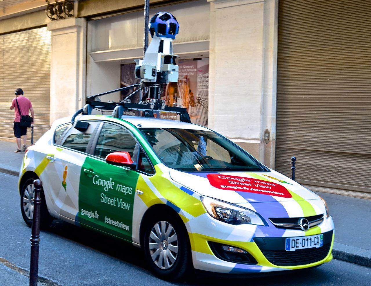 File:Google maps car, Paris May 2014.jpg - Wikimedia Commons