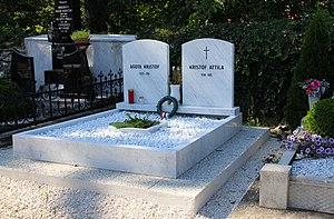 Das Grab von Ágota und Attila Kristóf in Köszeg, aufgenommen am 1.9.2016