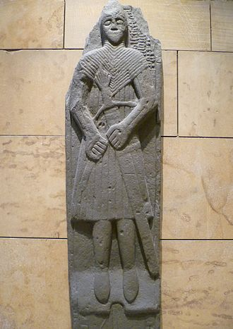 Gaelic warfare - A mid-16th-century tomb effigy of a warrior bearing a Claymore from Finlaggan, Scotland. He is shown in West Highland armour, implying his status as a mercenary in the wars in Ireland.