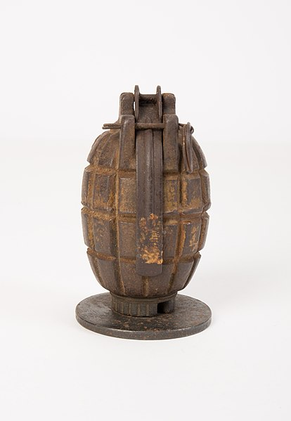 File:Grenade, rifle (AM 612880-2).jpg