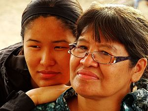 History of Canadian women - Gwich'in mother and daughter, Fort McPherson, NT