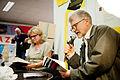 Gyrdir Eliasson, vinnare av Nordiska radets litteraturpris 2011 samtalar med Nordiska radets kommunikationschef Bodil Tingsby pa bokmassan i Goteborg 2011 (2).jpg