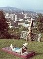 Háttérben a Budai Vár. A Palma Gumigyár reklámfotója. Fortepan 17480.jpg