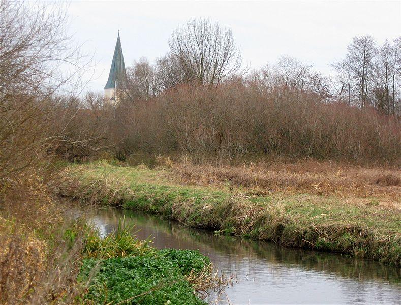 File:Hachinger Bach Taufkirchen-1.jpg