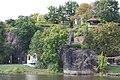 Halle (Saale), Porphyrklippen in Nähe der Giebichensteinbrücke .jpg