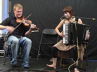 Hannah James and Sam Sweeney