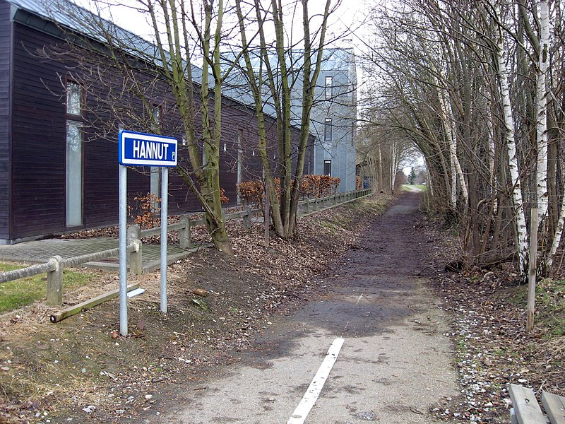 Hannut station. Now a bicycle path.