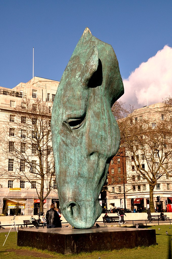 FileHorse at Water sculpture Marble Arch Londonjpg