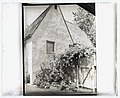 """House at the """"French Village,"""" Highland Avenue, Hollywood, California. Gate LCCN2008679250.jpg"""