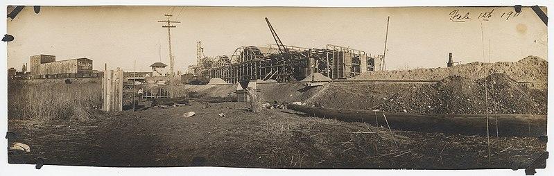 File:Houston Street Viaduct Bridge Under Construction (16204438897).jpg