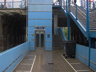 Husum station - Elevator from the street down to platform level