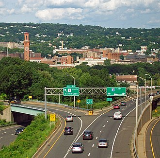 Interstate 84 (Pennsylvania–Massachusetts) - I-84 (looking eastbound) just before becoming an elevated viaduct to cross downtown Waterbury