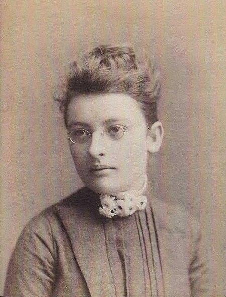 Inez Mabel Crawford (cropped).jpg