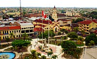 Iquitos-2012-plaza.jpg