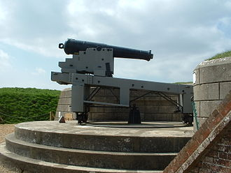 68-pounder gun - A typical land based traversing carriage. This is actually a 64-pounder rifled muzzle-loading cannon, displayed at Fort Nelson.