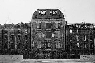 Island Hospital, Roosevelt Island, New York (New York County, New York).jpg