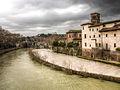 Isola Tiberina San Bartolomeo all Isola Roma HDR 2013 03.jpg