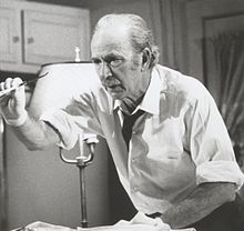 Accéder aux informations sur cette image nommée Jack Albertson in 1976's The Sad and Lonely Sundays.jpg.