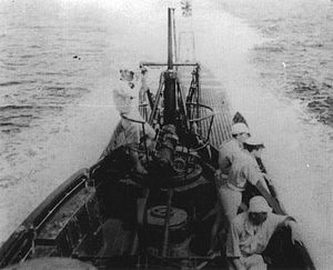 Japanese submarine I-11 1942.jpg