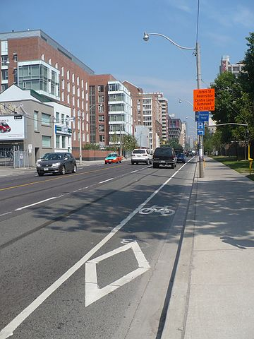 English: Bike lanes were created in 2010 on Ja...