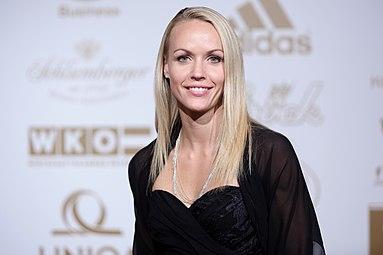 Jasmin Ouschan Gala Nacht des Sports Österreich 2015 1.jpg