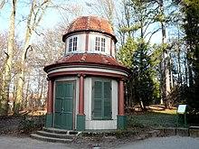 Der Jérôme-Pavillon auf der Göttinger Schillerwiese, in dem Jérôme sich angeblich oft in weiblicher Begleitung aufgehalten haben soll.[13] (Quelle: Wikimedia)
